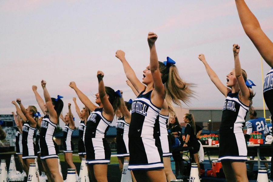 2018 SHHS Cheerleaders perform a cheer at the first home game.