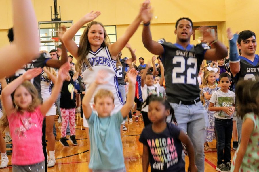 Spring Hill students get pumped up and have fun together.