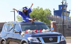 Navigation to Story: Senior Parade 2020