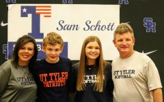 Sam Schott makes it official and commits to the UT Patriots for the 2021-22 Softball Season